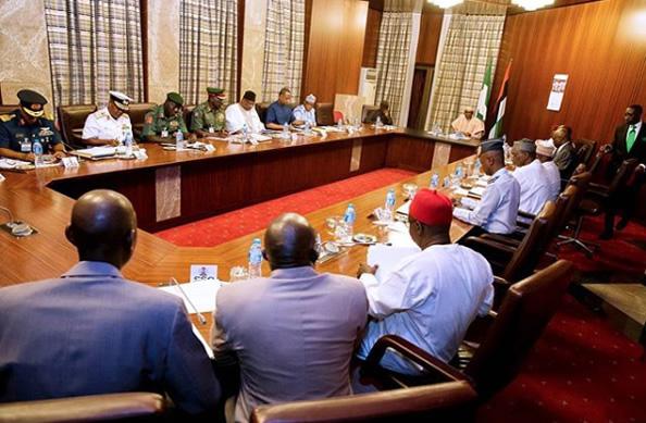 Buhari-meets-service-chiefs1