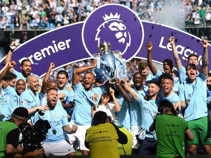 manchester-city-premier-league-trophy