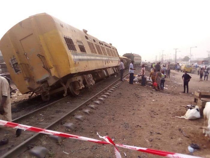 train-derails-