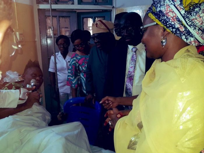 Aisha-Buhari-visits-Collapse-Building-victims-1