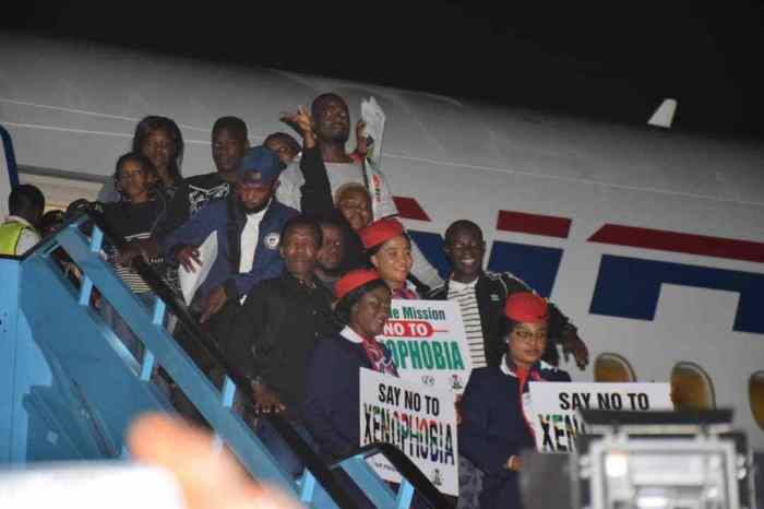 Nigerians-Who-Left-South-Africa-Over-Xenophobic-Attacks-Arrive-In-Nigeria