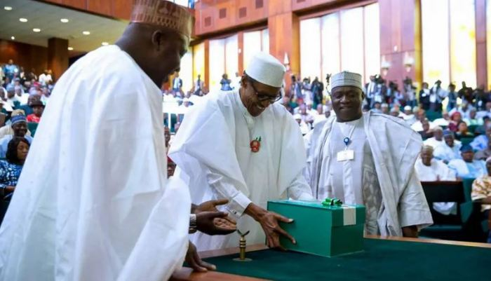 President-Buhari-presenting-the-2020-appropriation-bill-to-the-National-Assembly